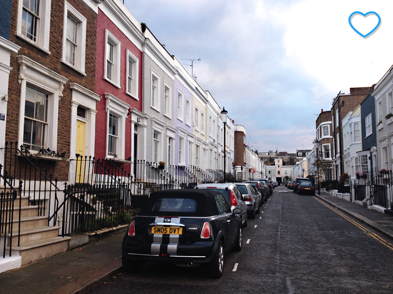 Foto de uma rua de Notting Hill.