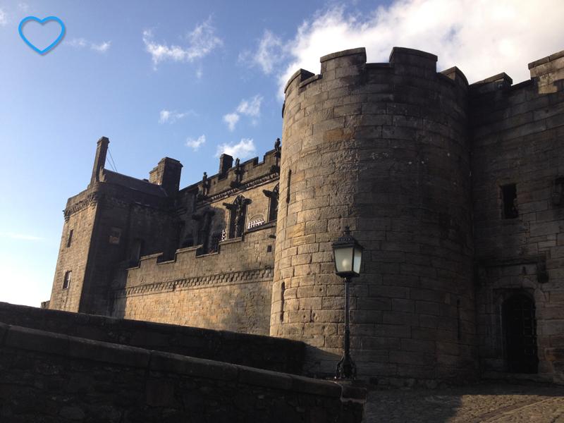 Uma parte do castelo, vista de fora.