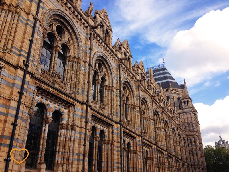 A fachada do museu.