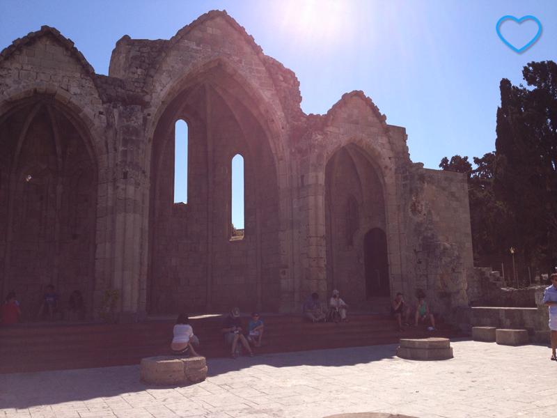 A Igreja do Burgo, em ruínas, mas bem conservada.